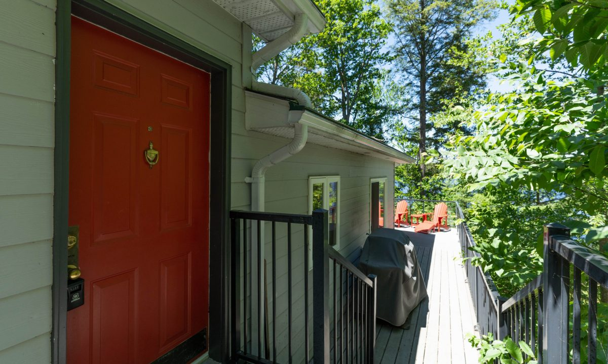 1004 James Point-2