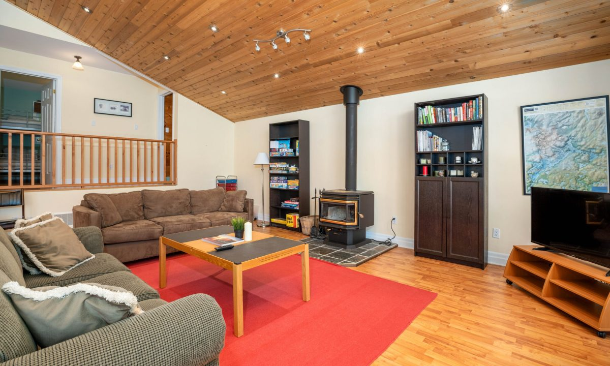 1004 James Point-30
